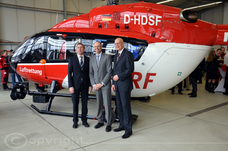 1st Delivery EC 145 Gruppenfoto